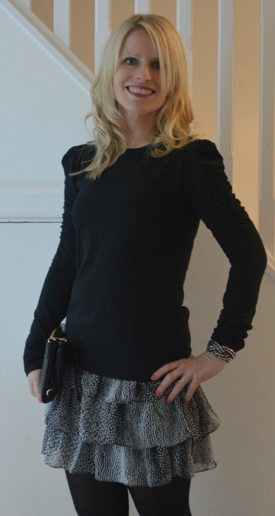 Ready to go out in skirt from H&M, top from Zara, clutch by Mulberry and cuff from H&M (last year)
