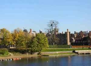 Hampton_Court