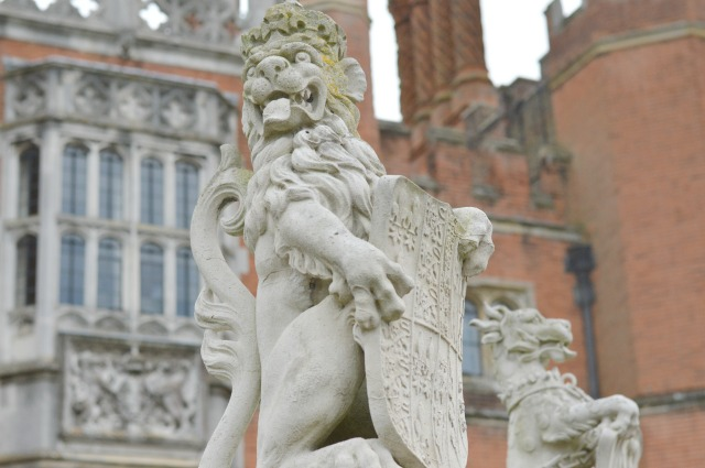 Hampton Court Lion