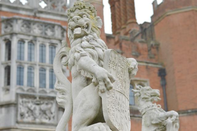 Hampton Court Lion