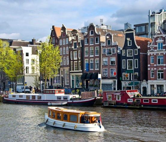 amsterdam-barcos01-830x474_830x474